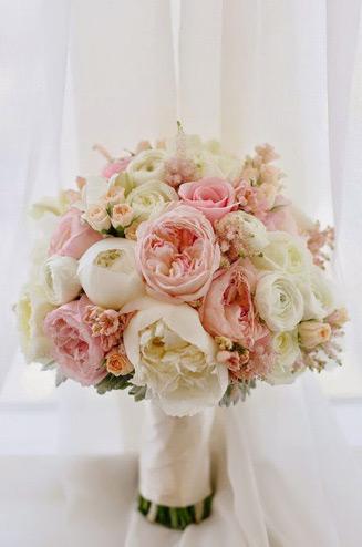 Букет невесты пионовидные розы фото