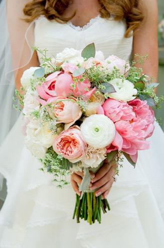 Букет невесты из розы пионовидной