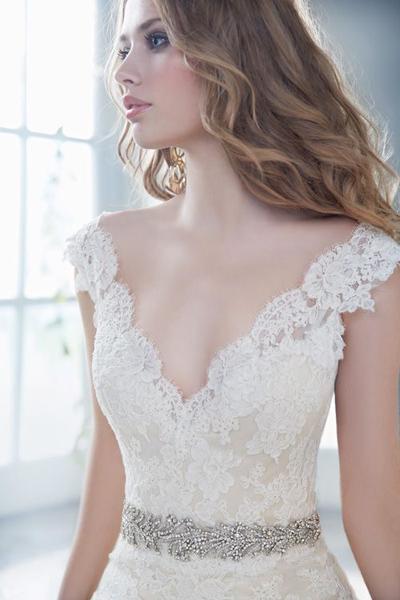 Кружевные свадебные платья спб недорого