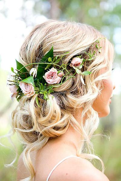 Прически свадебные с цветами фото