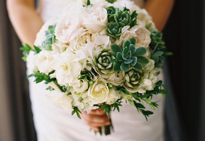 Летние букеты невесты